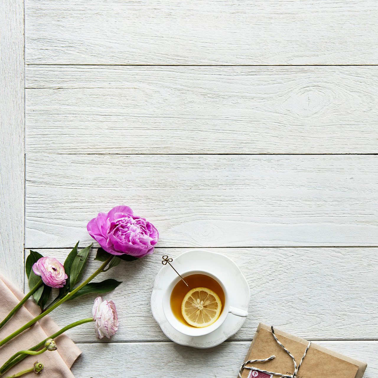 bureau avec roses